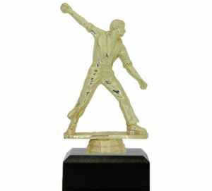 Cricket Bowler Trophy 155mm